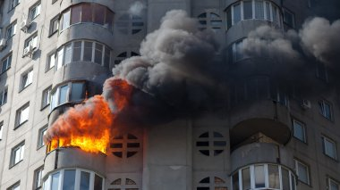 Fire in residential building in Obolon