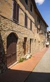 Fotografie Gebäude in der mittelalterlichen Stadt San Gimignano