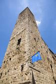 Fotografie Turm in der mittelalterlichen Stadt