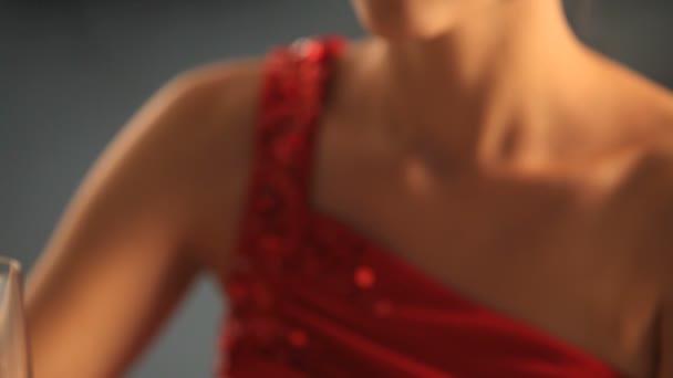 Video B44019771