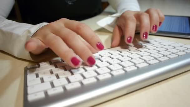 pomocí digitálních tablet při psaní