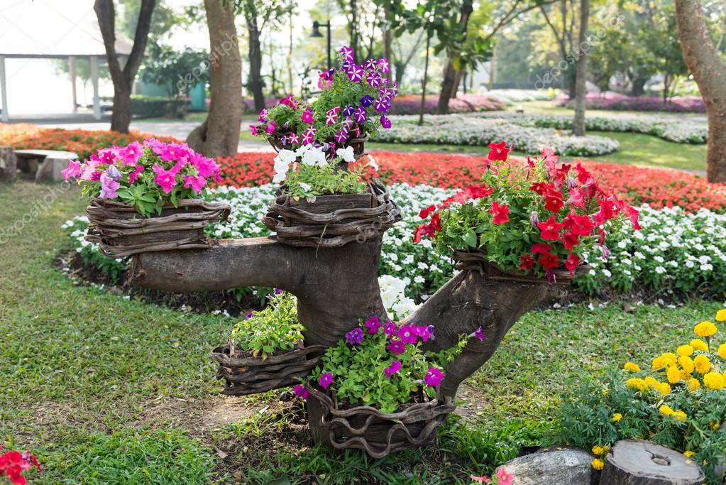 Sfondo colorato giardino fiorito foto stock for Giardino fiorito