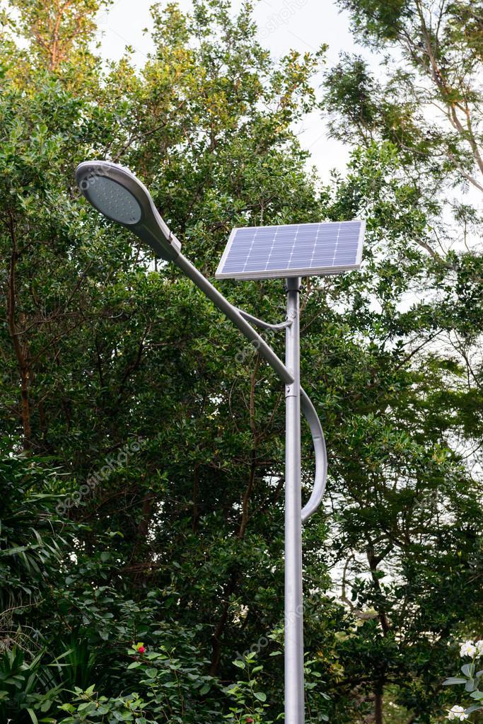 Panneau Lampe De Poste Et Photovoltaique Photographie