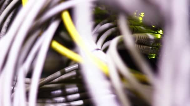 dat směrovačem a lan kabely