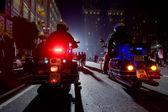 Dva policisté na motocyklech