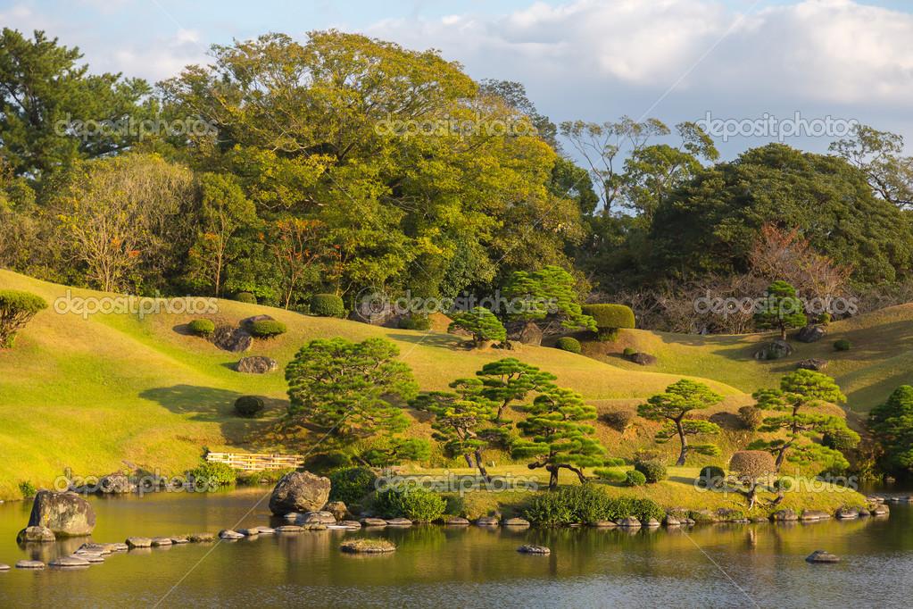 Park Als Tuin : Suizenji park japanse tuin u stockfoto trofoto