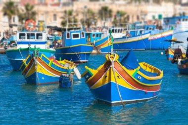 """Картина, постер, плакат, фотообои """"цветные рыбацкие лодки, мальта """", артикул 50414717"""