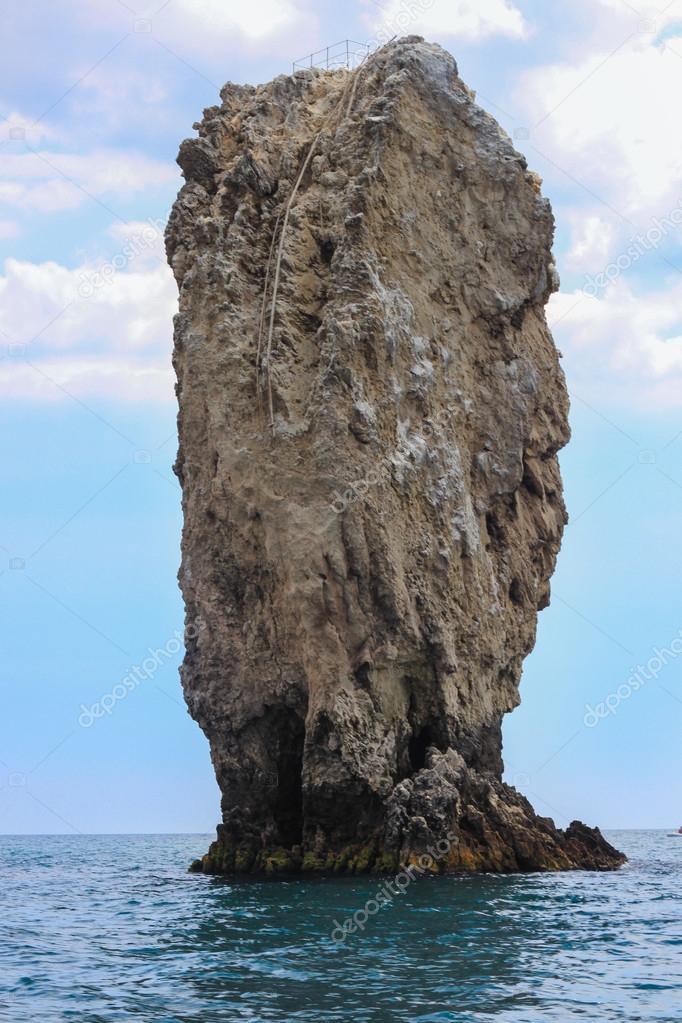 Rocks ships