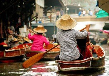 Samut Songkram, Thailand: Boat Vendors at Damnoen Saduak Floating Market