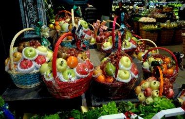 Bangkok, Thailand: Holiday Fruit Baskets at Centrl Chitlom Food Hall