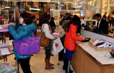 NYC:Women Shopping at Macy's