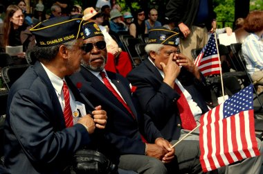NYC: Veterans with Flags on Memorial Day