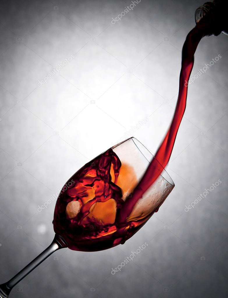 вливают в жопу вино ту, что