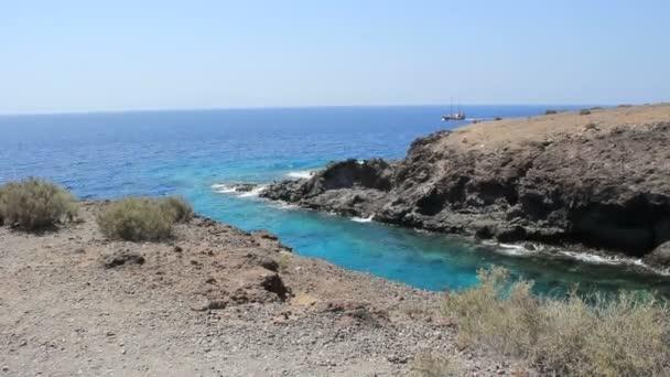 malá divoká pláž milovaný hippies na ostrově tenerife v callao salvaje okres