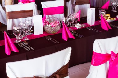 Pink and purple light wedding table