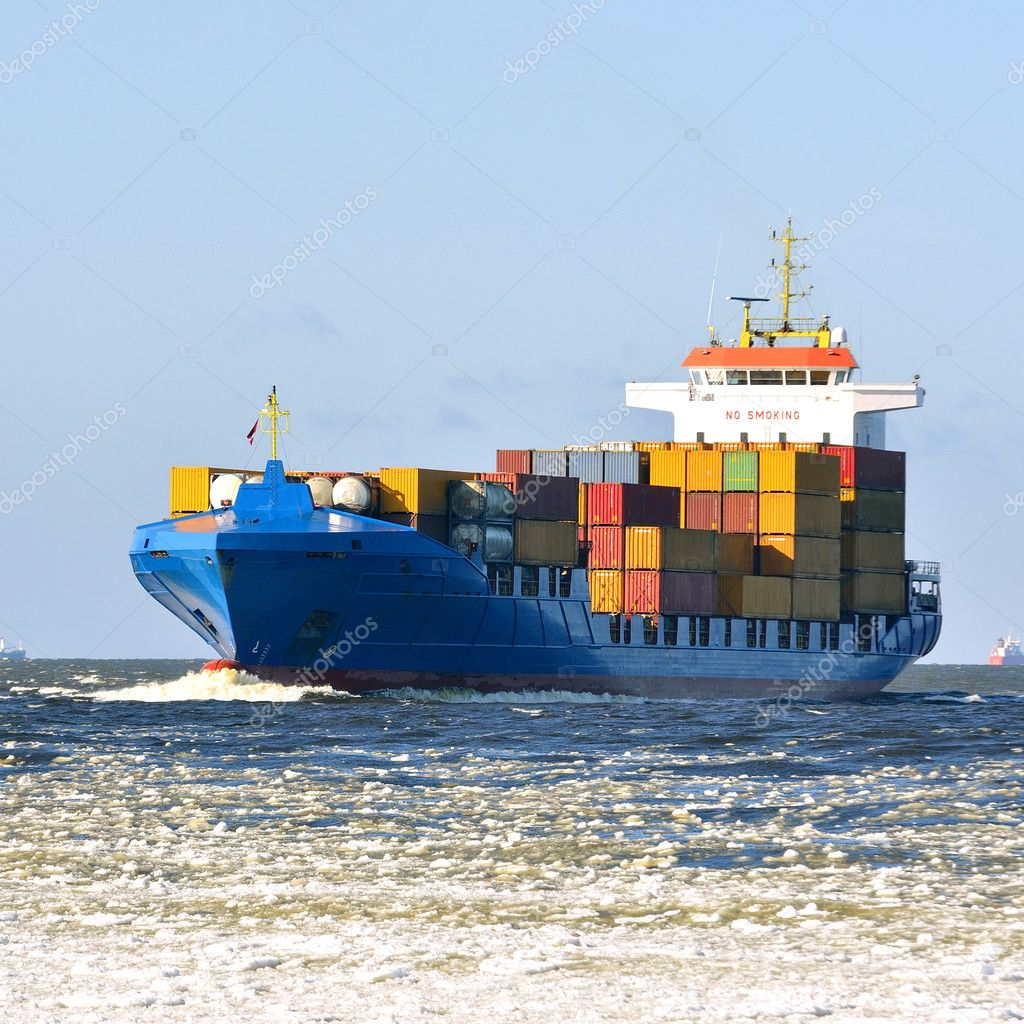 Vela de barco de contenedores de carga foto de stock 32828251 - Contenedores de barco ...