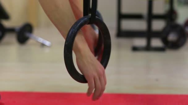 gymnastické kruhy pro lezení