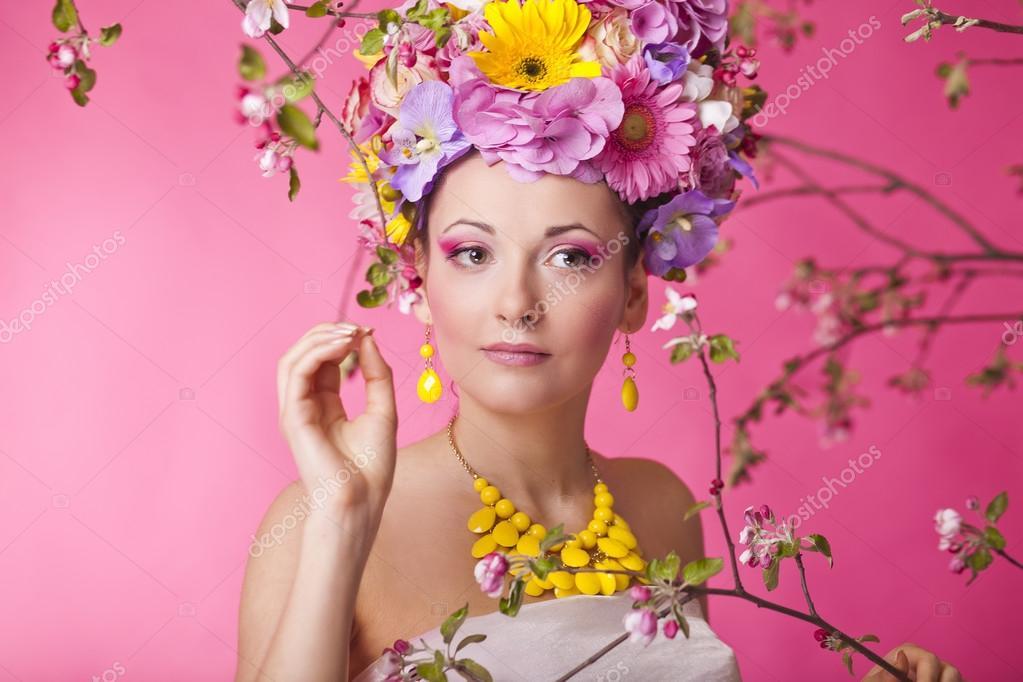 0d5e815d7b5 λουλούδι καπέλο άνοιξη μόδας σέξι γυναίκα σε φόρεμα — Φωτογραφία ...