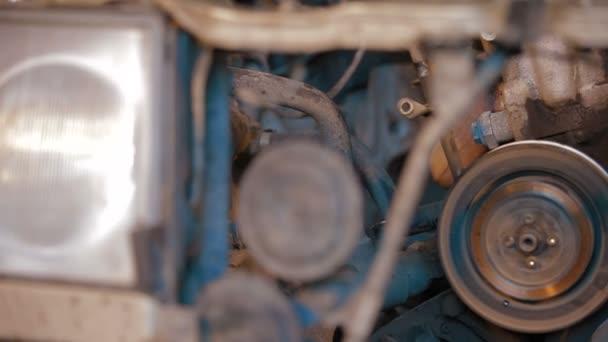 auto opravy: strojní díly