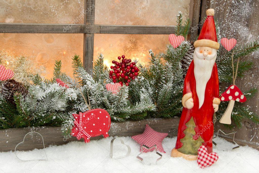 Feestdagen Natuurlijke Kerstdecoratie : Natuurlijke kerstdecoratie met de kerstman u stockfoto jeanette