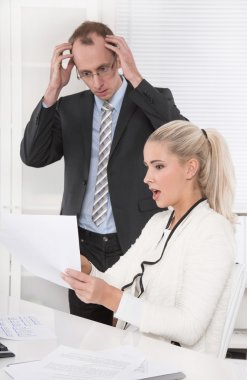 Deficit - negative sales revenues - shocked manager