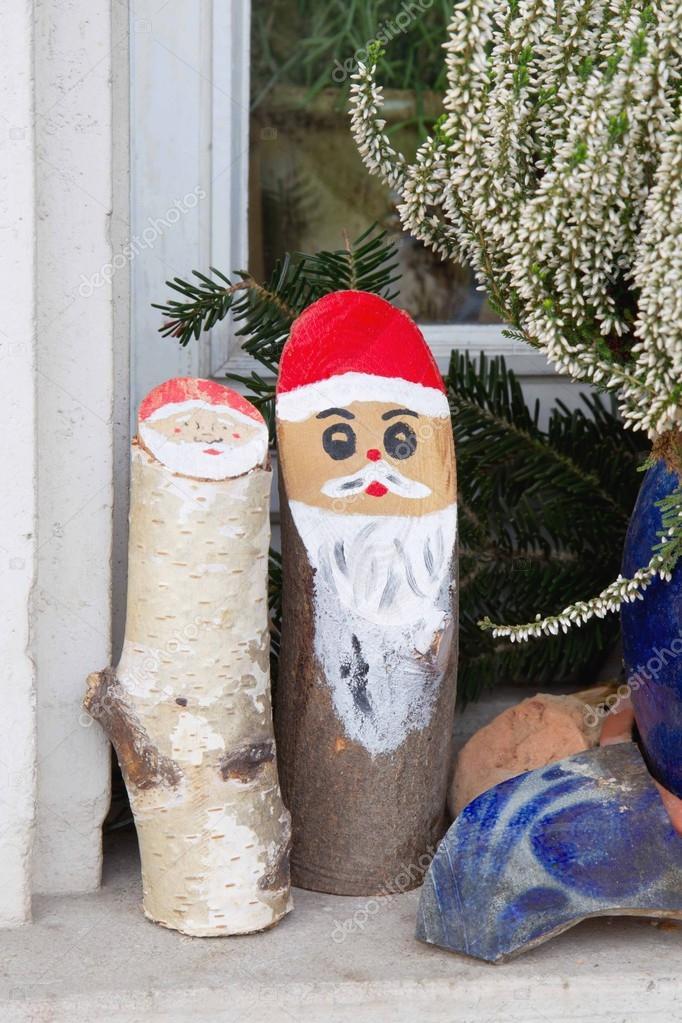 Décoration de Noël extérieure naturelle avec le bois