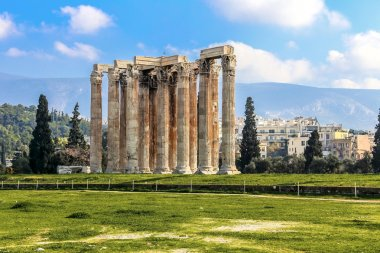 ruins of ancient temple of Zeus, Athens, Greece