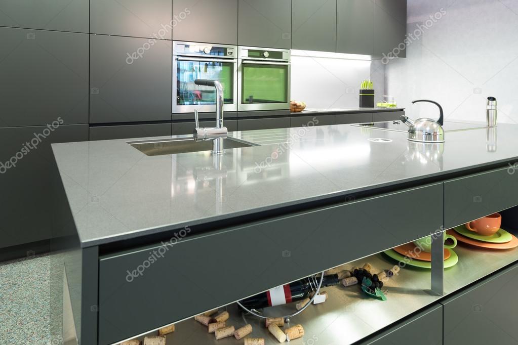 anthrazit moderne küche mit backofen und dampfgarer mit insel ... - Küche Backofen