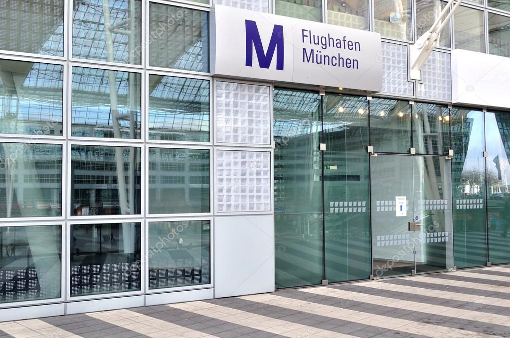 Moderno aeroporto terminal a monaco di baviera germania u foto