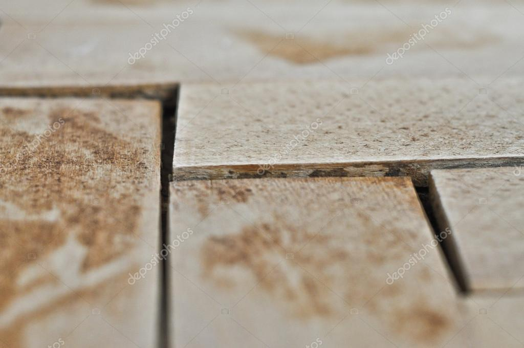 Oude Houten Vloeren : Reconstructie van een oude houten vloer u2014 stockfoto © minco.soska