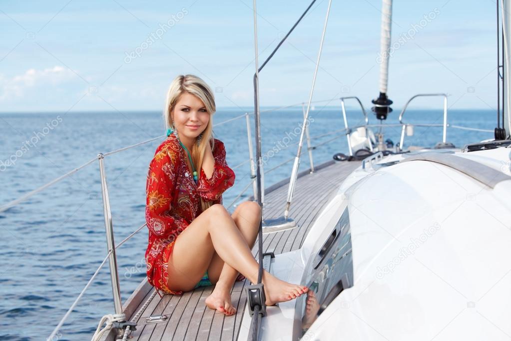 Фото женщин на яхте, забытая включенная веб камера порно
