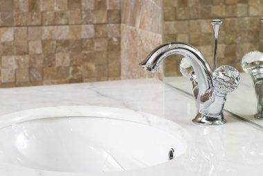 Modern bathroom chrome faucet