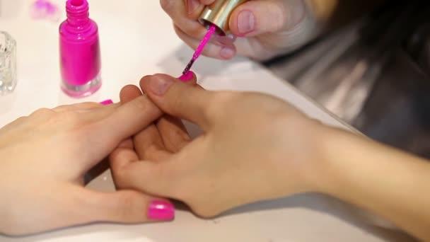 manikúra. Příprava nehtů