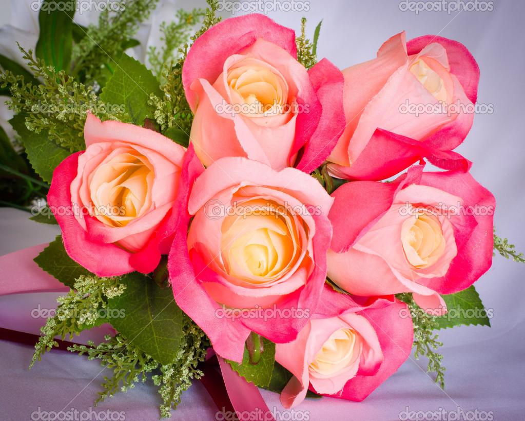 Bellissimo Mazzo Di Fiori.Bouquet Of Rose Flowers Stock Photo C Parinyabinsuk 38827003