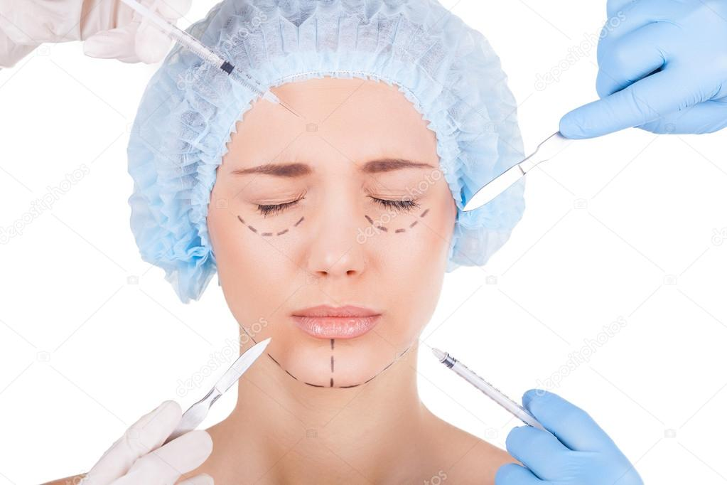 possible health problems that can be caused by cosmetic surgery In addition to creating safety problems during production, many chemical additives that give plastic products desirable performance properties also have negative environmental and human health effects.