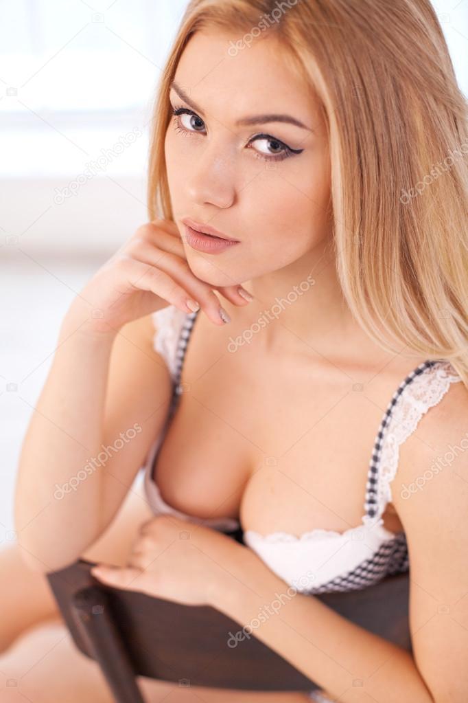 Kudrnaté vlasy dospívající sex