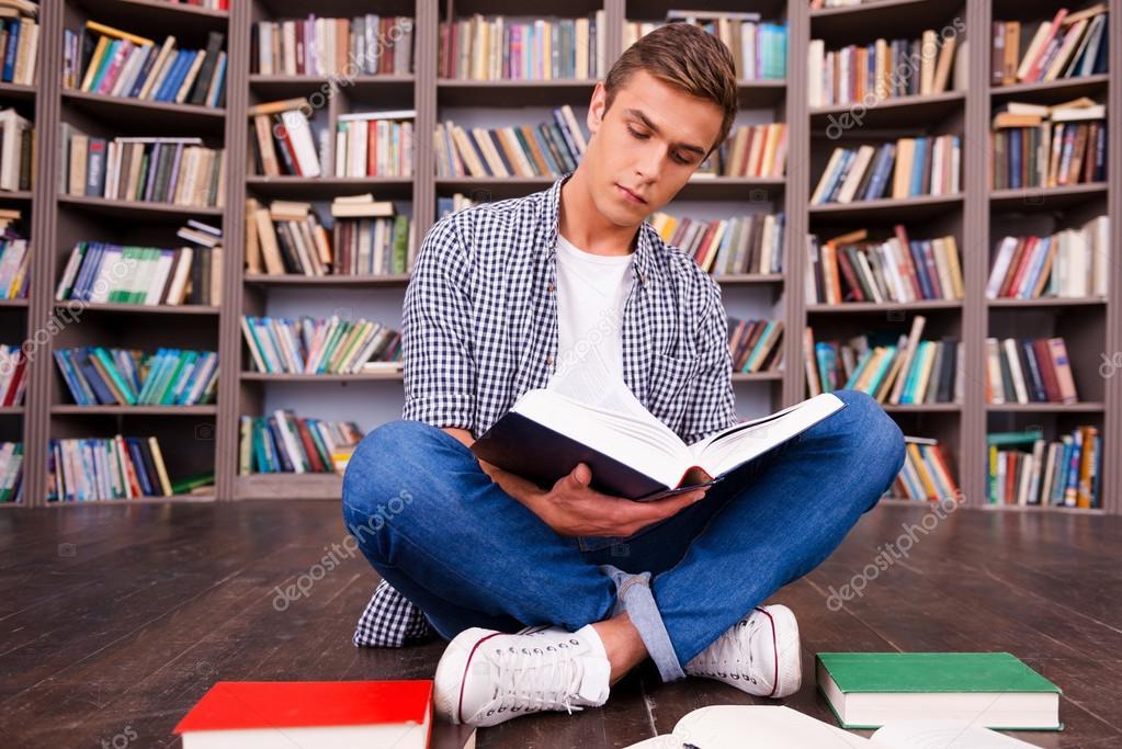 Imágenes: Leyendo Un Libro