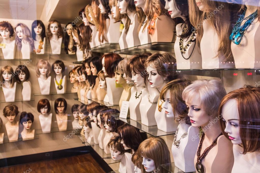 Boutique de perruque — Photographie razyphoto