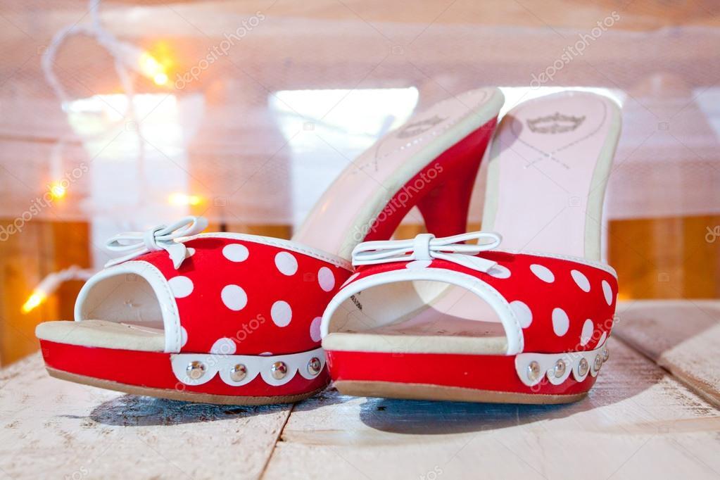zapatos de boda rojo y blanco — fotos de stock © joshuarainey #37081075