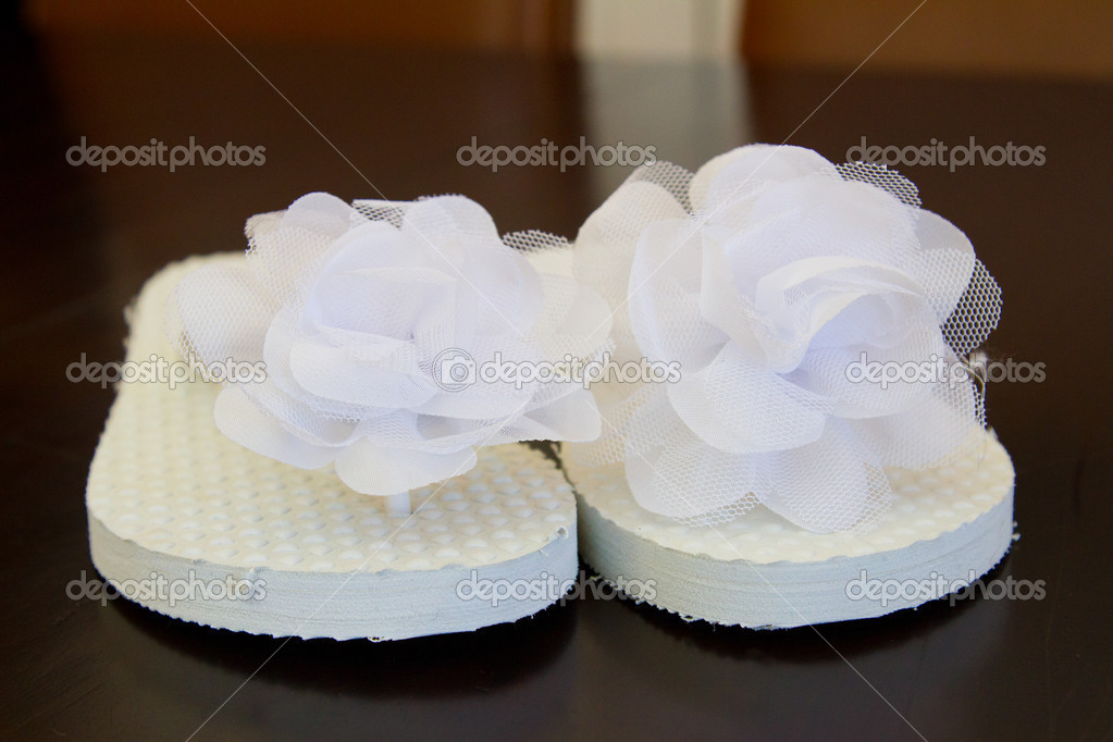 96e94cad3eebd White Wedding Flip Flops — Stock Photo © joshuarainey  37081589