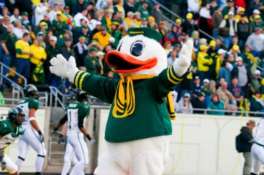 Oregon Ducks Mascot Puddles at Autzen Stadium