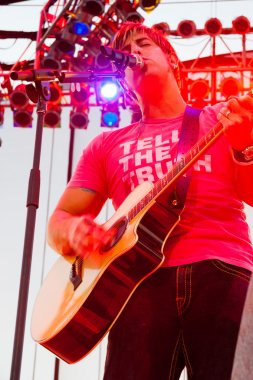 Jeremy Camp Performs at Creation NW 2006