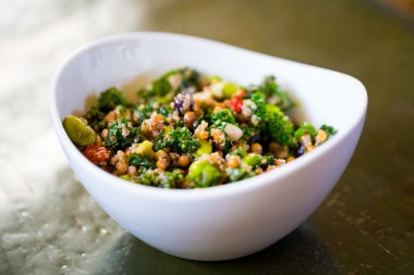 Paleo Diet Quinoa Kale Salad