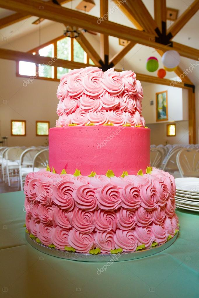 Rosa Hochzeitstorte Stockfoto C Joshuarainey 46570489