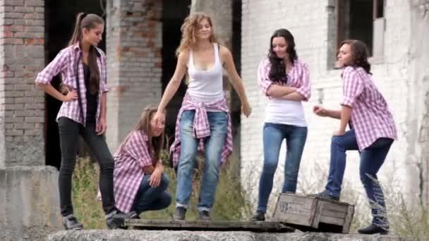 Video krásné dívky