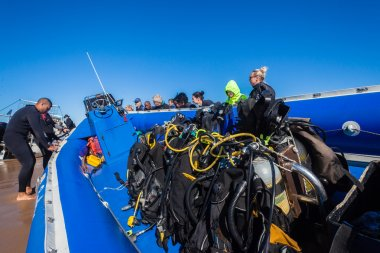 Scuba Dive Boat Oxygen Bottle Rigs Divers