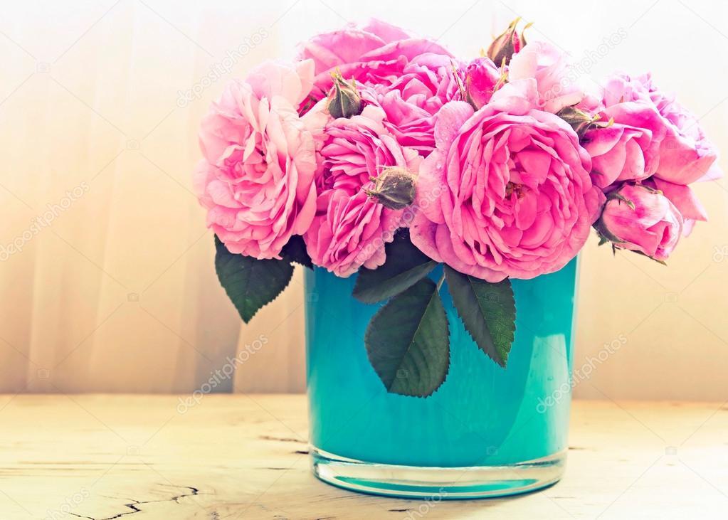 rosa rosen in vase blumen indoor stockfoto nys 46835367. Black Bedroom Furniture Sets. Home Design Ideas