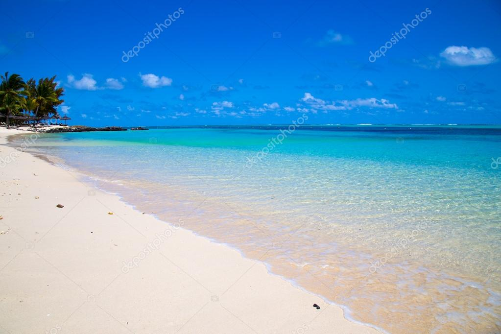 white sandy beach of Mauritius