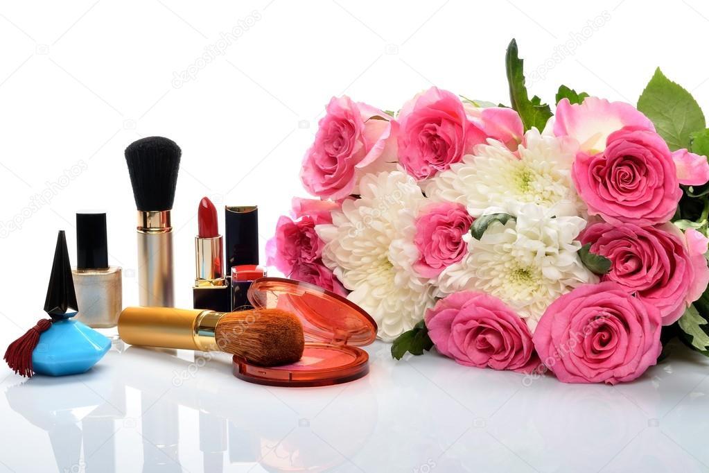 Декоративная косметика и парфюмерия