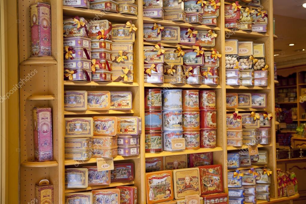 Madrid, Spanien - 28. Mai 2014: Madrid City Centre-Geschenk-Shop ... | {Süßigkeiten & gebäck 15}